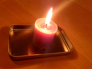 04-candle-light.jpg